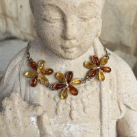 3 Flower Necklace Amber